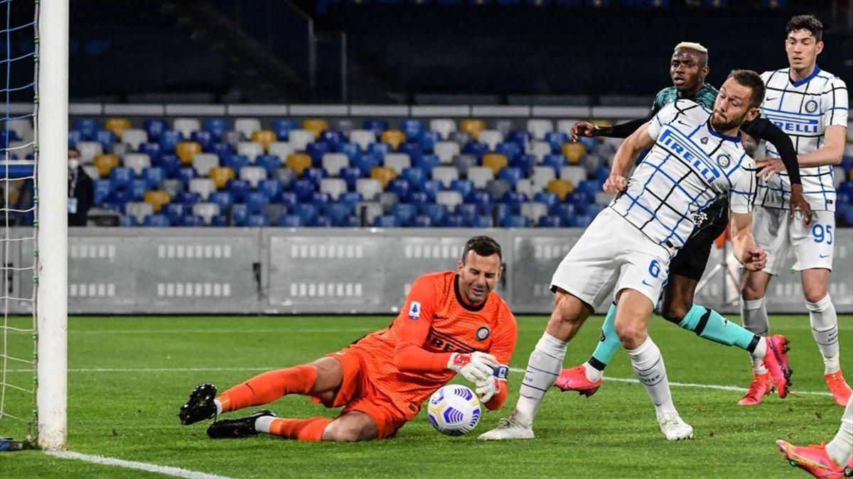 L'errore di Samir Handanovic - Napoli-Inter Serie A 2020-21