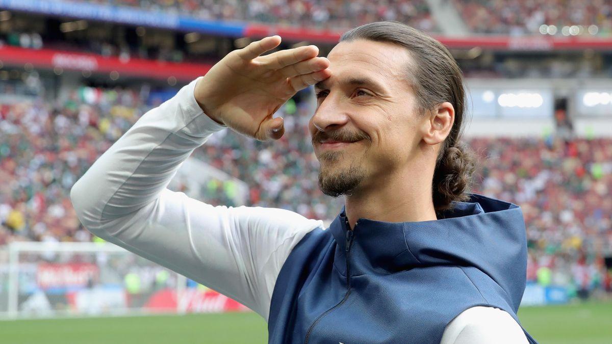Zlatan Ibrahimovic salutes