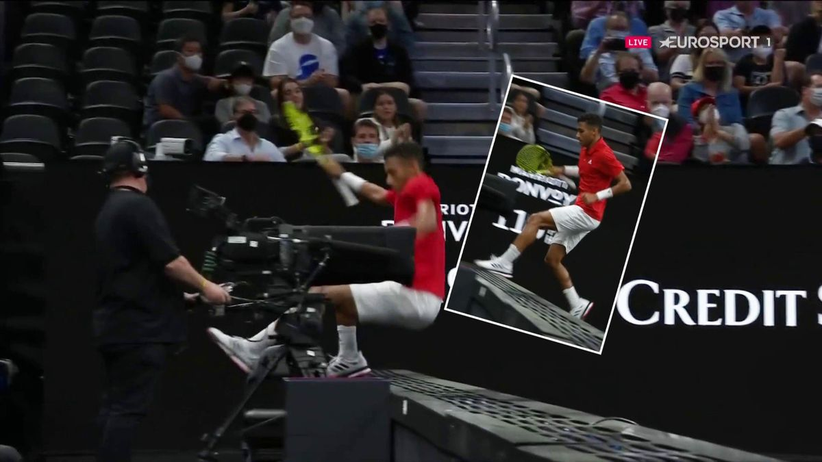 'Didn't need to do it!' - Auger-Aliassime slips on advertising hoarding