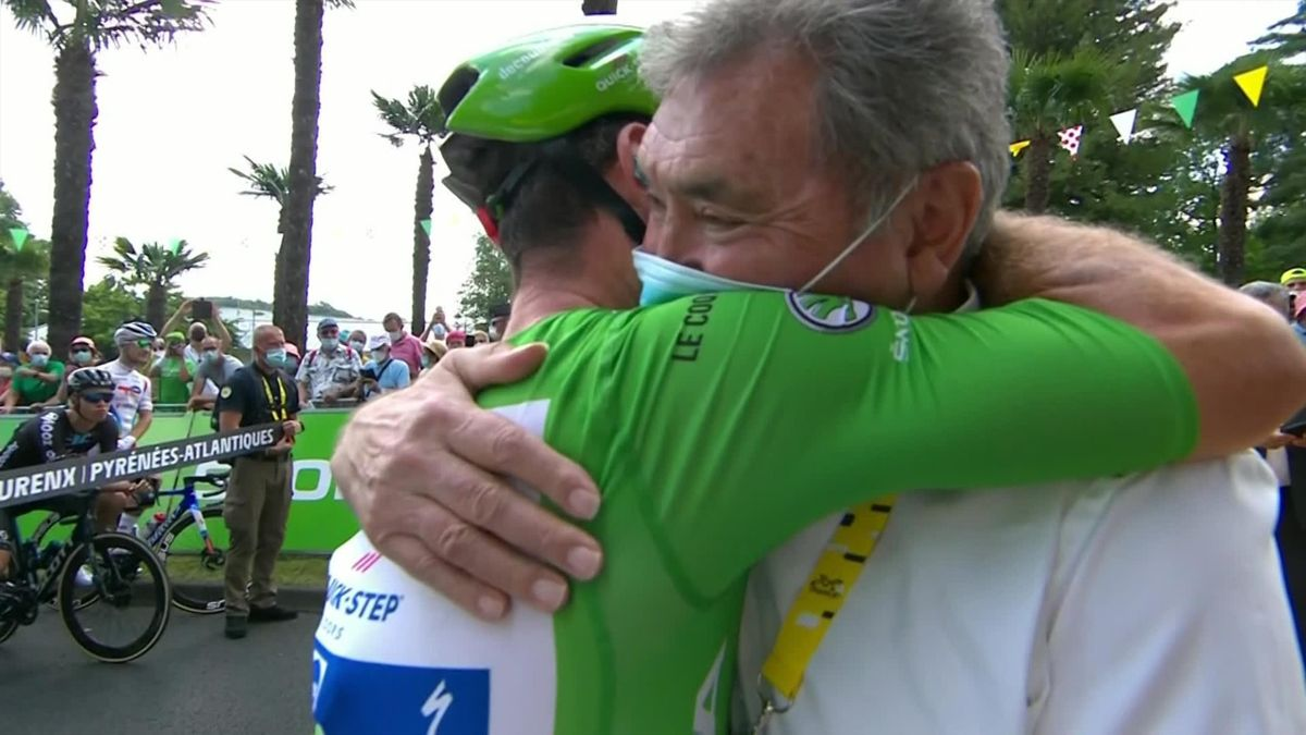 'Love and respect' - Cavendish and Merckx embrace before Stage 19 start