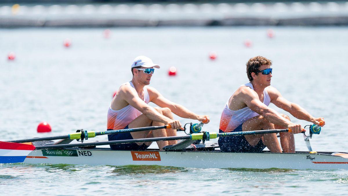 Stef Broenink en Melvin Twellaar in de dubbel skiff tijdens hun olympische kwalificatie van Tokyo 2020