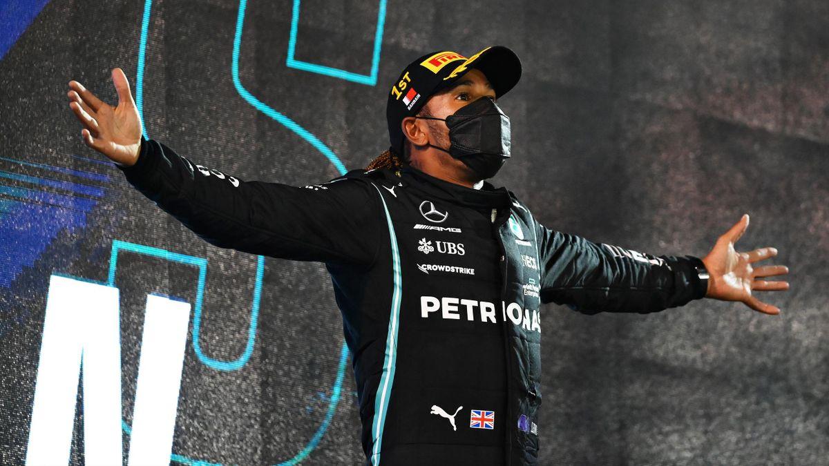 Lewis Hamilton nach seinem Sieg in Bahrain