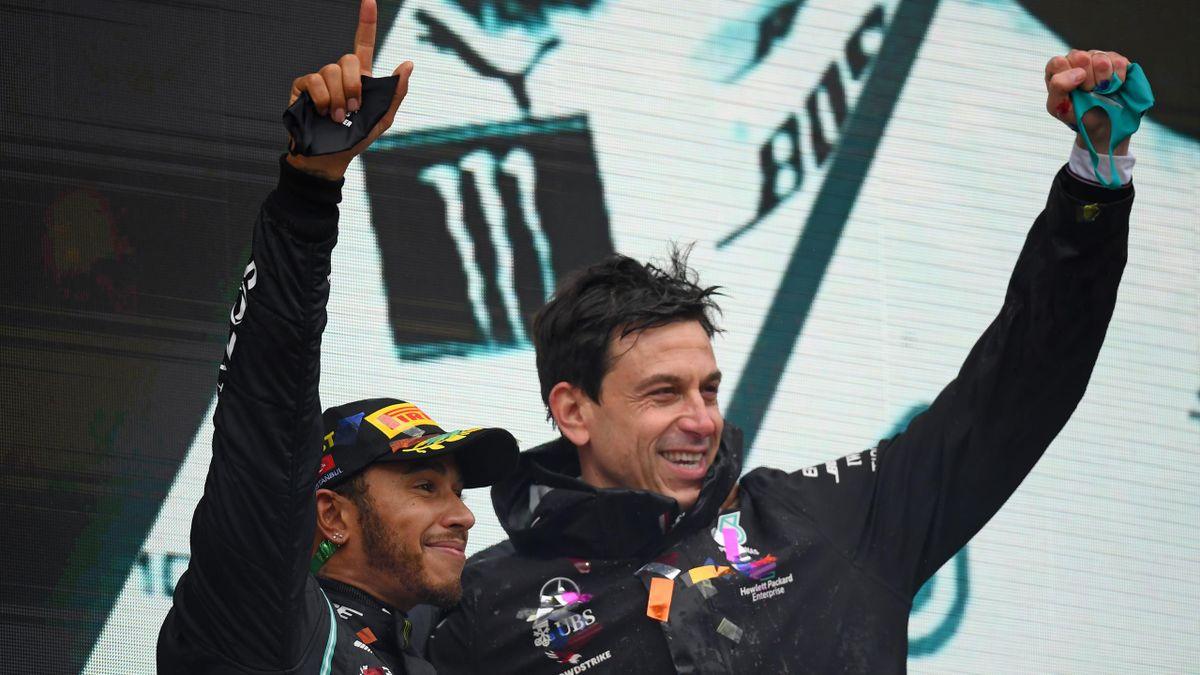 Mercedes will mit Weltmeister Hamilton verlängern