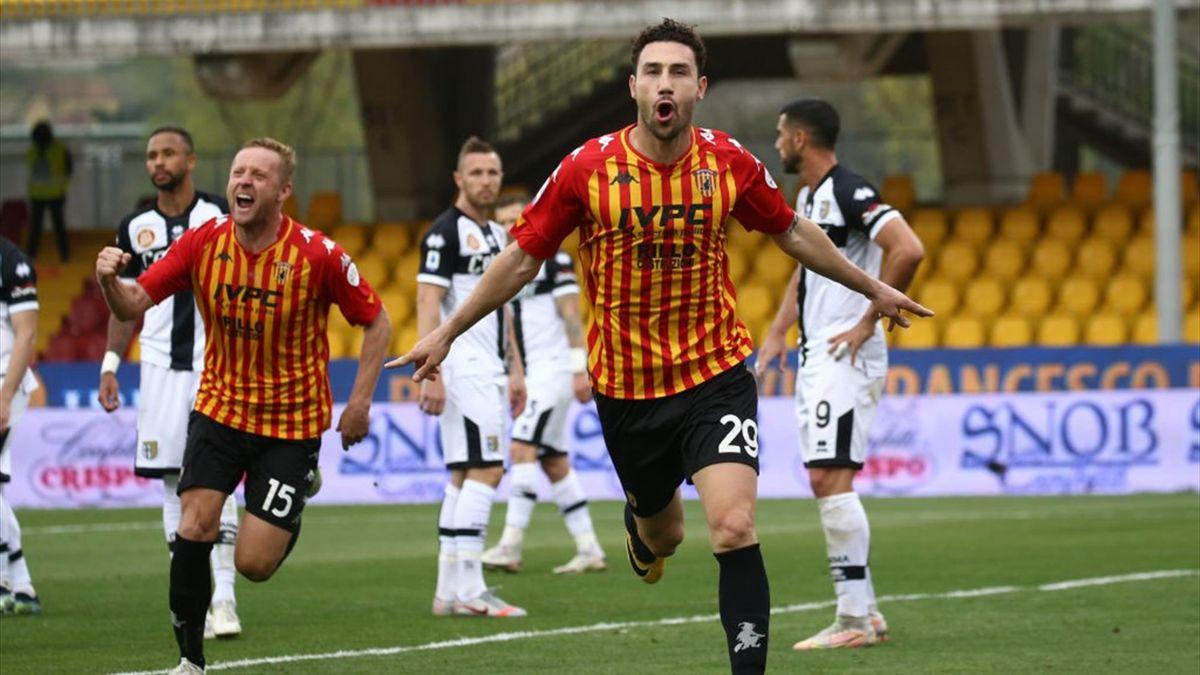 Ionita esulta per il gol del vantaggio in Benevento-Parma - Serie A 2020/2021 - Getty Images