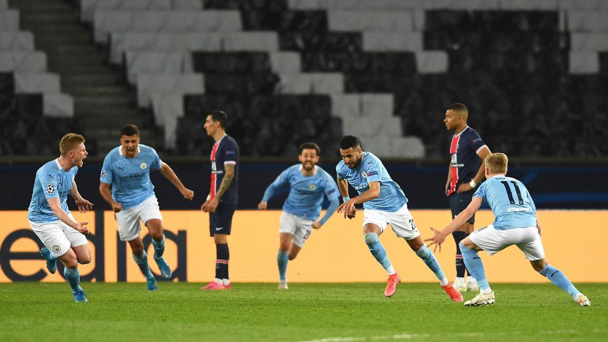 PARIS, FRANCE - APRIL 28: Riyad Mahrez of Manchester City celebrates after scoring their side's second goal during the UEFA Champions League Semi Final First Leg match between Paris Saint-Germain and Manchester City at Parc des Princes on April 28, 2021 i