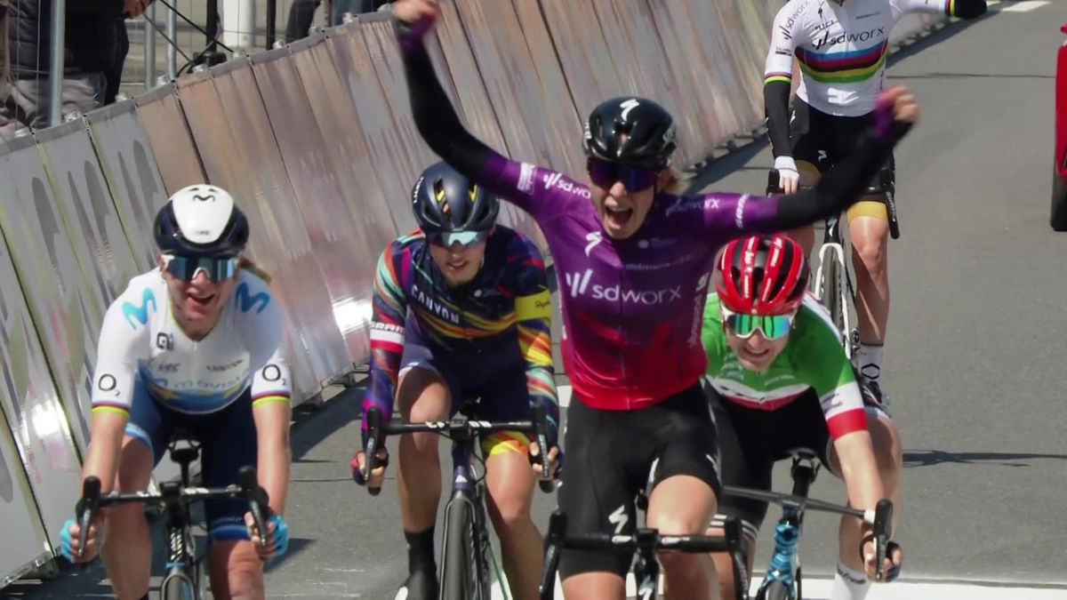 Highlights: Vollering secures fine win at Liege–Bastogne–Liege