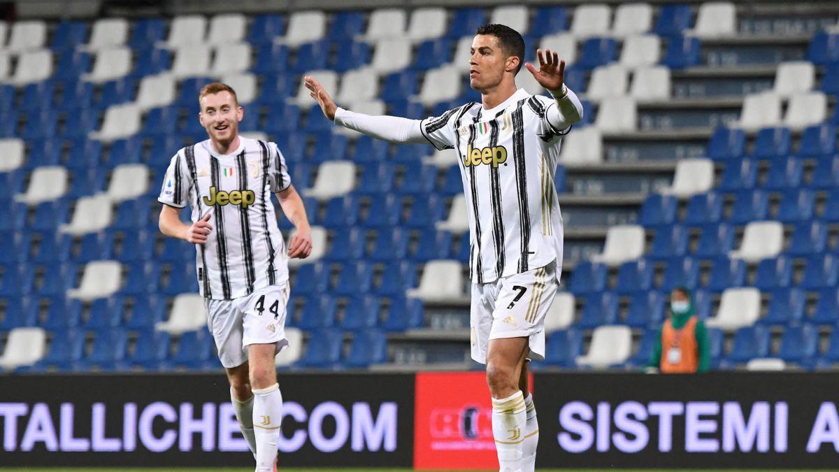 Cristiano Ronaldo esulta per il 100esimo gol con la Juventus