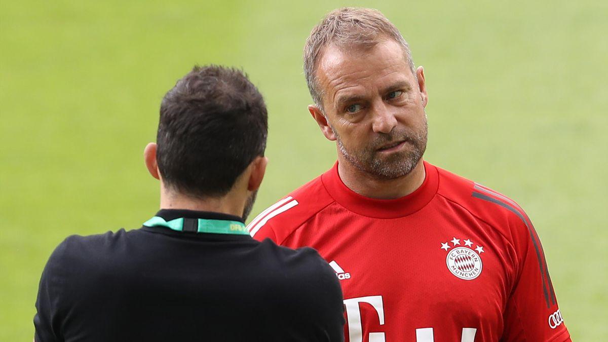 FC Bayern München: Flick und Salihamidzic im Gespräch