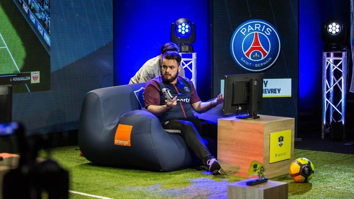 Corentin Chevrey (PSG eSports), dit Rocky durant la finale du tournoi de eLigue 1 2017-2018. Crédit photo : PSG eSports