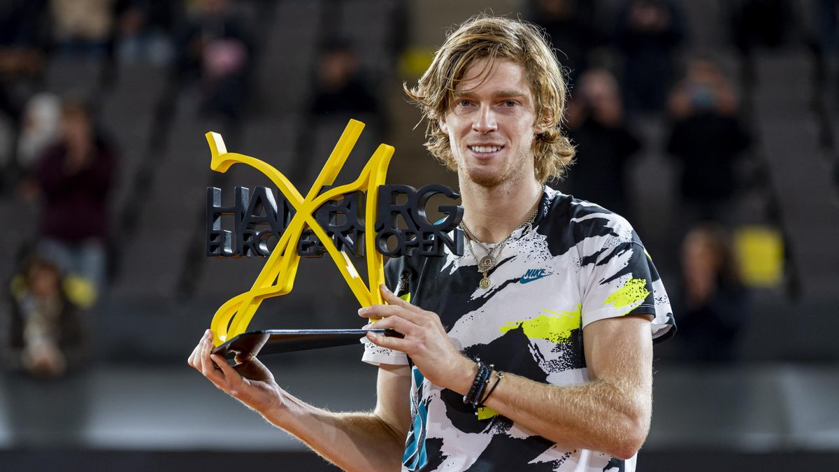 Andrey Rublev of Russia celebrates the victory during the final of the Hamburg Open 2020