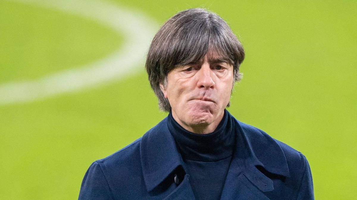 Bundestrainer Joachim Löw wurde von einer Autopanne gestoppt