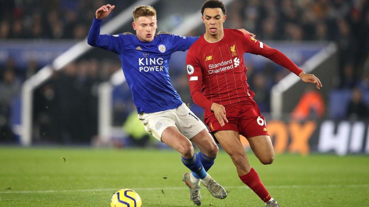 Trent Alexander-Arnold von FC Liverpool und Harvey Barnes von Leicester City