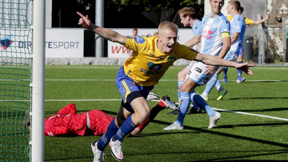 Grorud-spiller Oscar Aga jubler over scoring mot Sandnes Ulf i 2020.