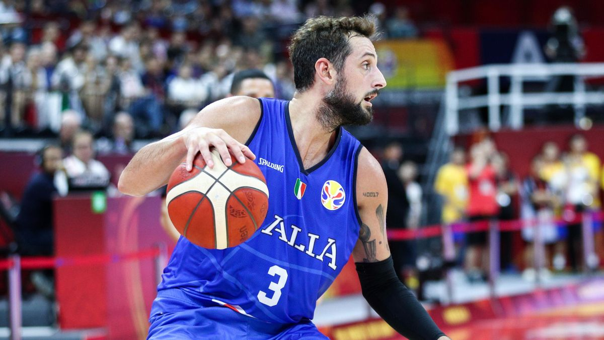 Marco Belinelli of the Italy National Team in action against the Philippines National Team during the 1st round of 2019 FIBA World Cup at GBA International Sports and Cultural Center on August 31, 2019 in Foshan, China.