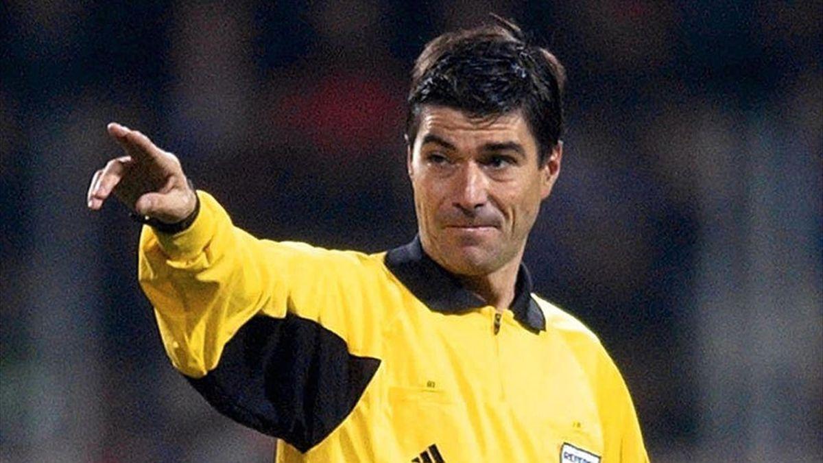 L'ex arbitro Alfredo Trentalange è il nuovo presidente dell'AIA