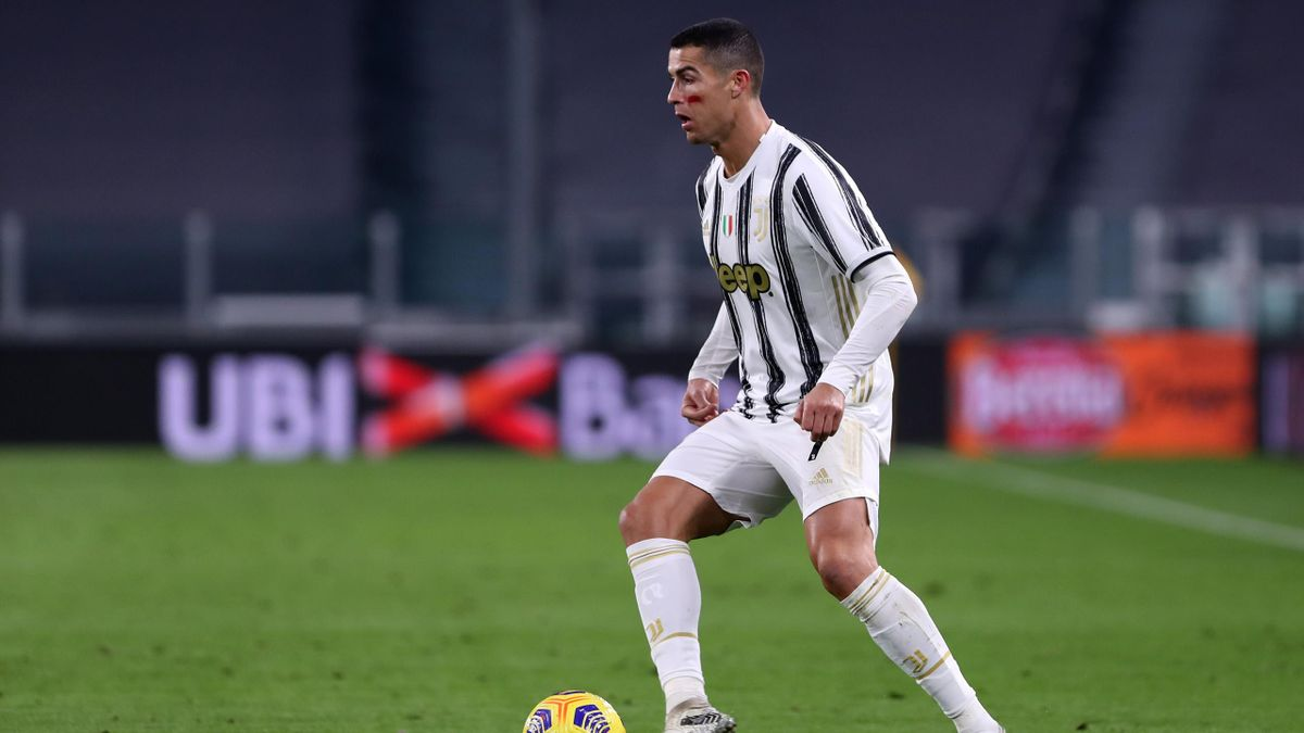 Cristiano Ronaldo (Juventus Turin) am Ball