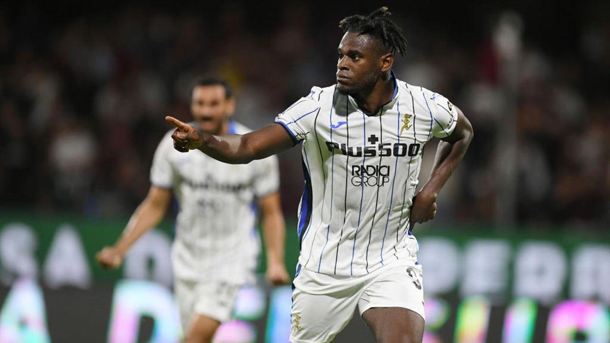 L'esultanza di Duvan Zapata dopo il gol in Salernitana-Atalanta - Serie A 2021-22