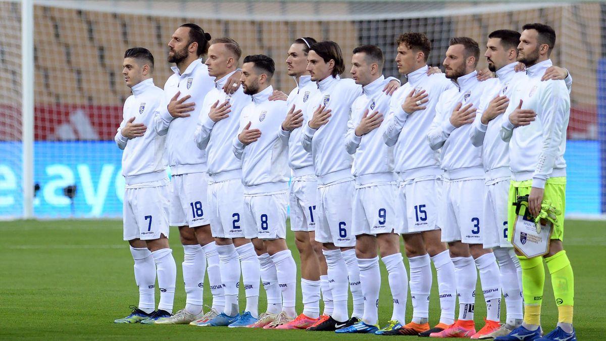 Le Kosovo lors de son hymne lors de Espagne-Kosovo, le 31 mars 2021