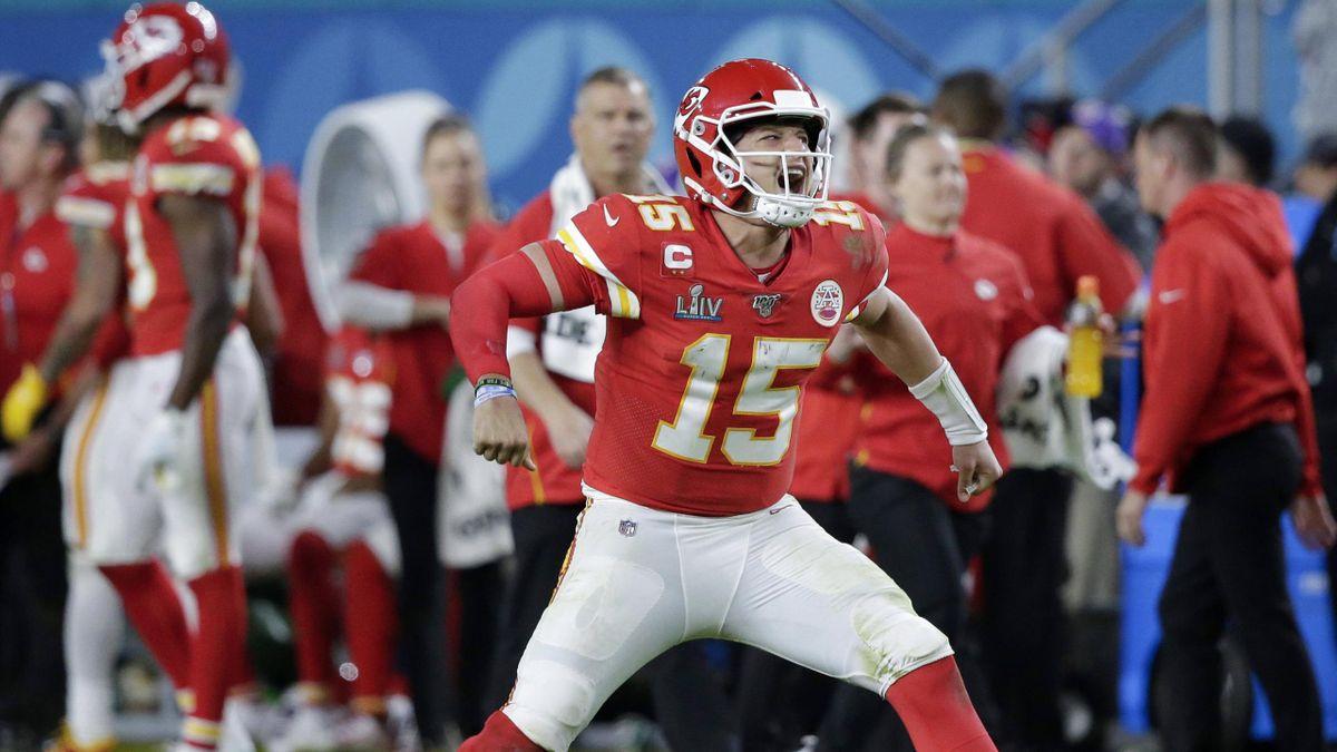 Quarterback-Star Patrick Mahomes bleibt dem amtierenden Super-Bowl-Champion Kansas City Chiefs weiter erhalten