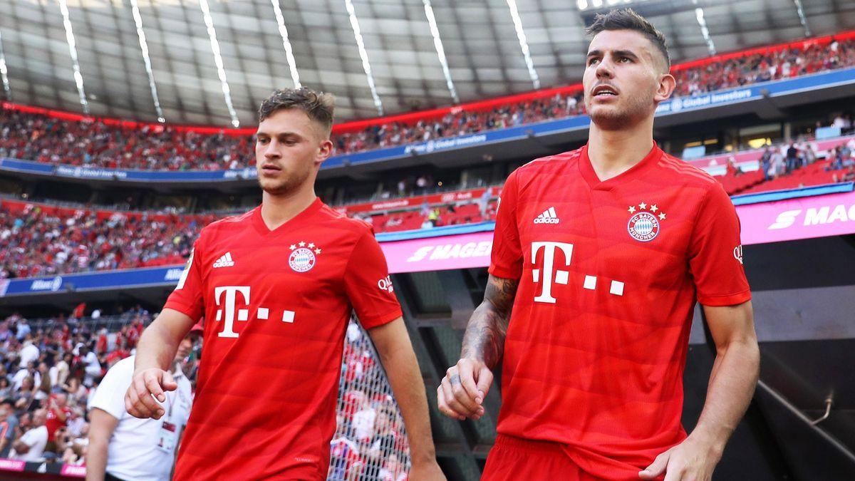 Lucas Hernández (re.) und Joshua Kimmich (li.) vom FC Bayern München