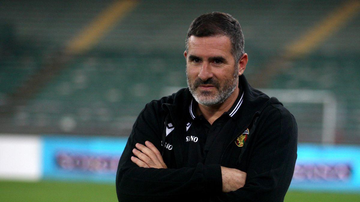 Cristiano Lucarelli, allenatore della Ternana