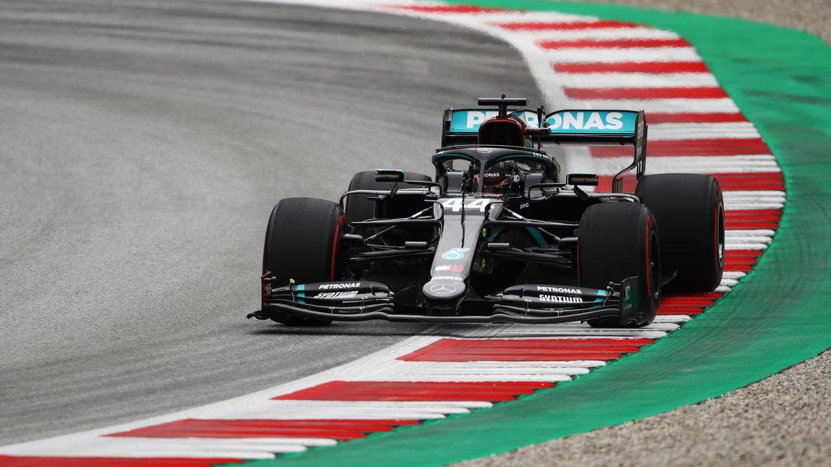 Lewis Hamilton dominiert im Mercedes in Spielberg