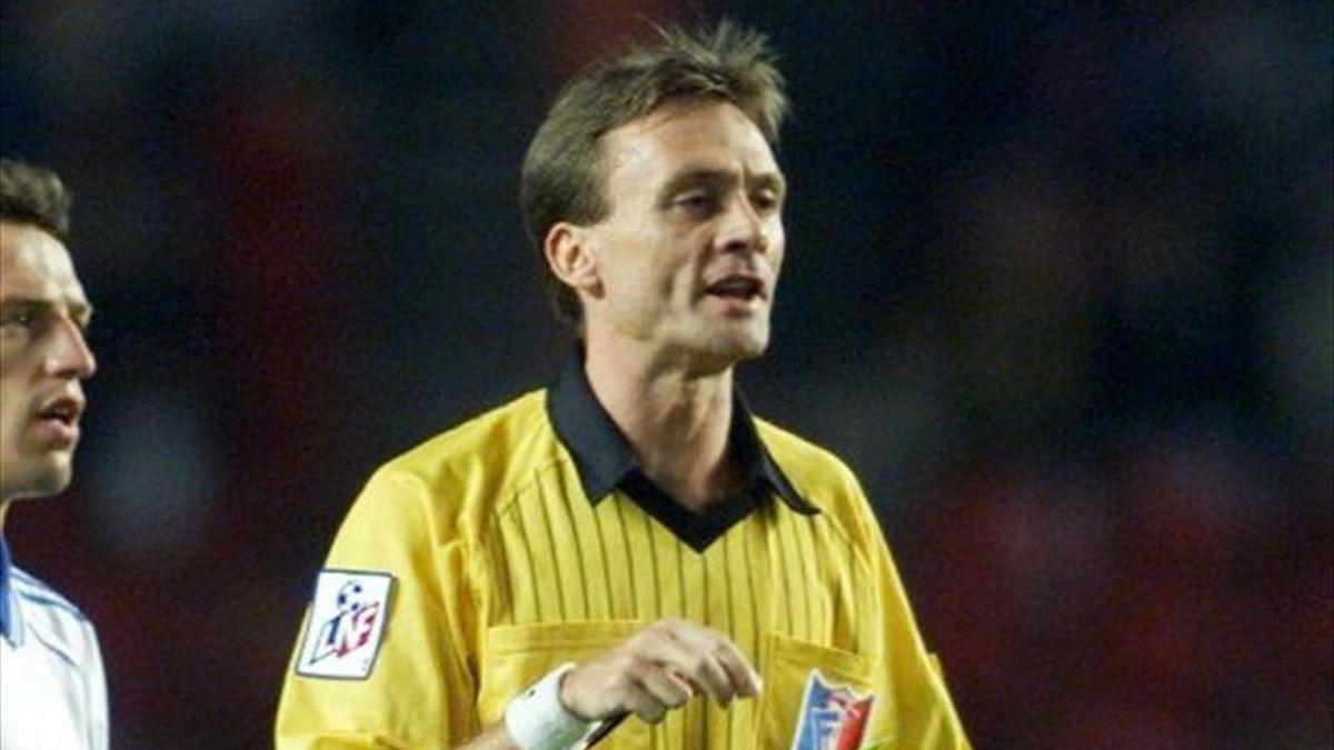 Stéphane Moulin lors de PSG - Auxerre en Ligue 1 le 20 août 1999