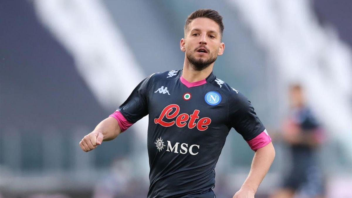 Dries Mertens in azione con la maglia del Napoli - Serie A 2020-21