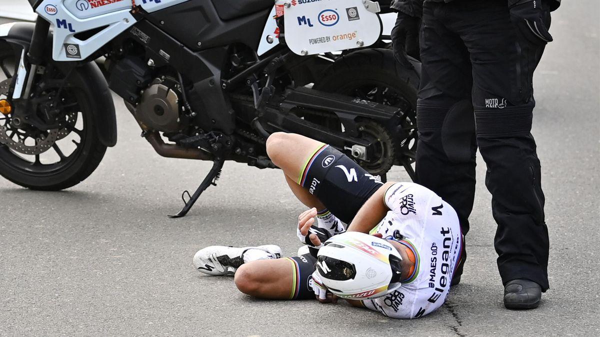 Julian Alaphilippe chute lors du Tour des Flandres 2020