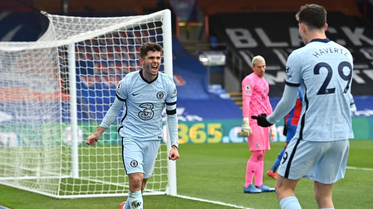 Christian Pulisic of Chelsea celebrates after scoring their team's second goal during the Premier League match between Crystal Palace and Chelsea at Selhurst Park on April 10, 2021 in London, England
