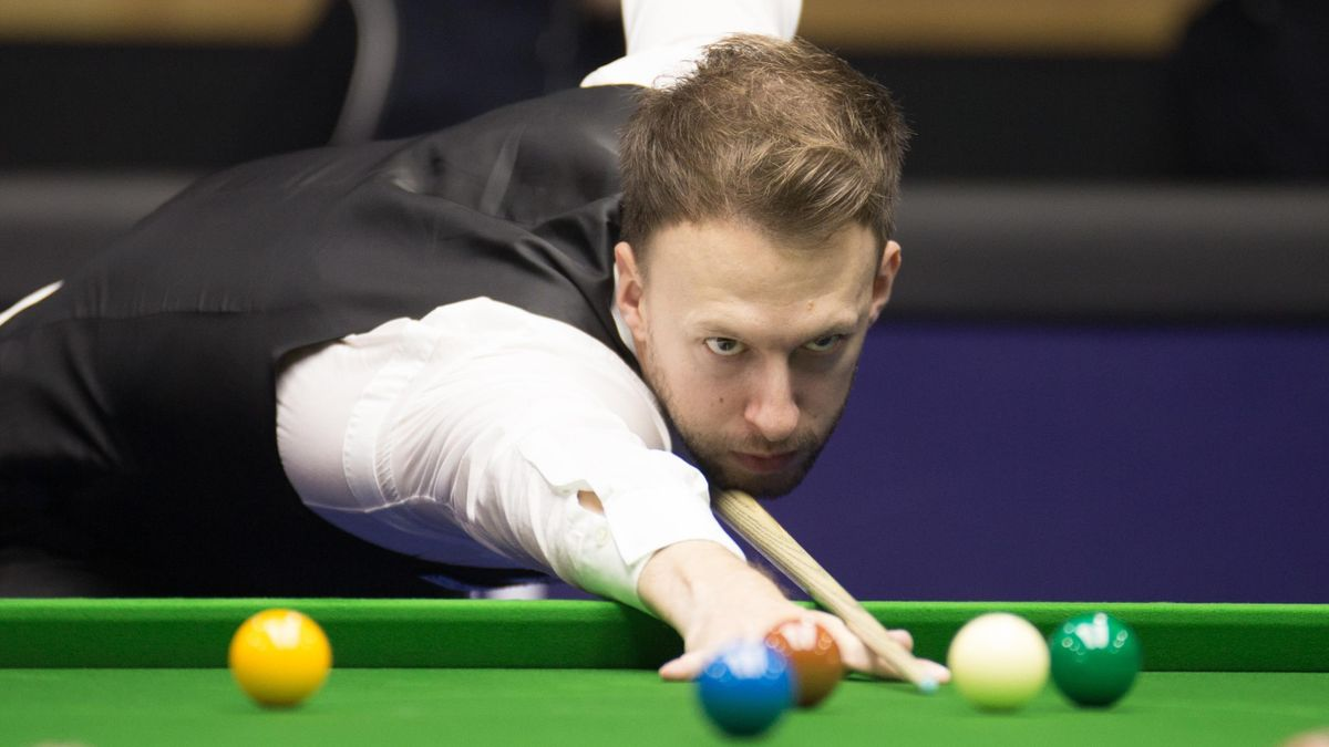 YUSHAN, CHINA - NOVEMBER 03: Judd Trump of England plays a shot during the final match against Thepchaiya Un-Nooh of Thailand on day seven of the 2019 World Open at Yushan Sport Centre on November 3, 2019 in Yushan, Jiangxi Province of China. (Photo by Ta