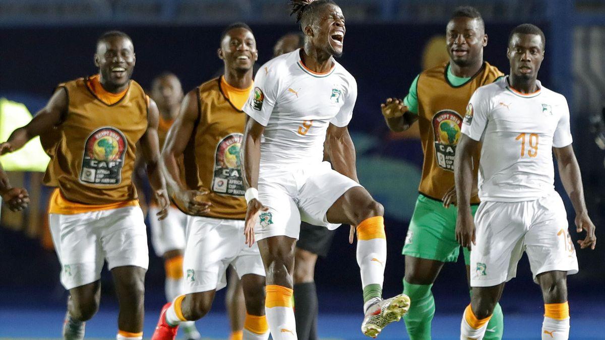 Wilfried Zaha schießt die Elfenbeinküste zum Sieg