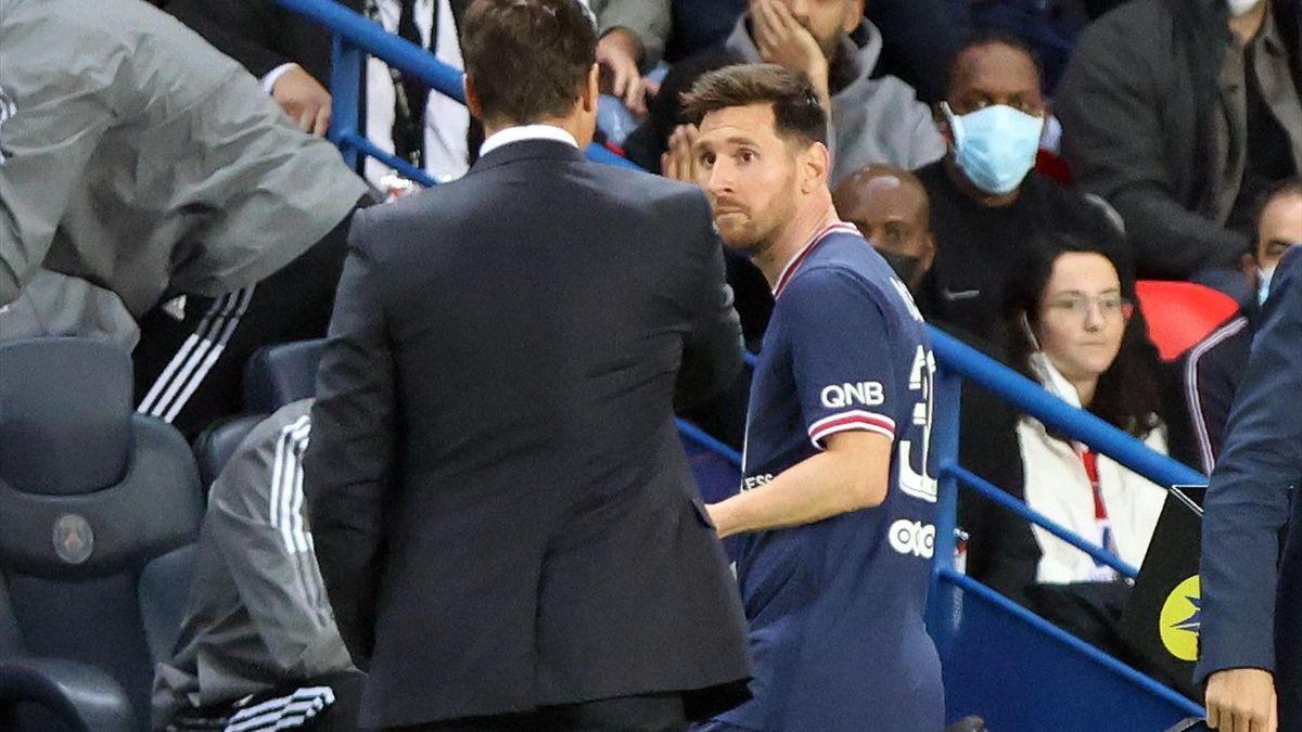 Lionel Messi a refuzat să dea mâna cu Mauricio Pochettino în momentul când a fost schimbat, la meciul dintre PSG și Lyon