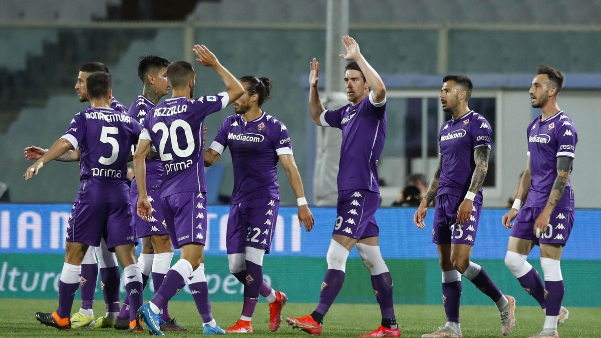 Fiorentina-Lazio, Serie A 2020-2021: l'esultanza della Fiorentina dopo il primo gol di Dusan Vlahovic (Getty Images)