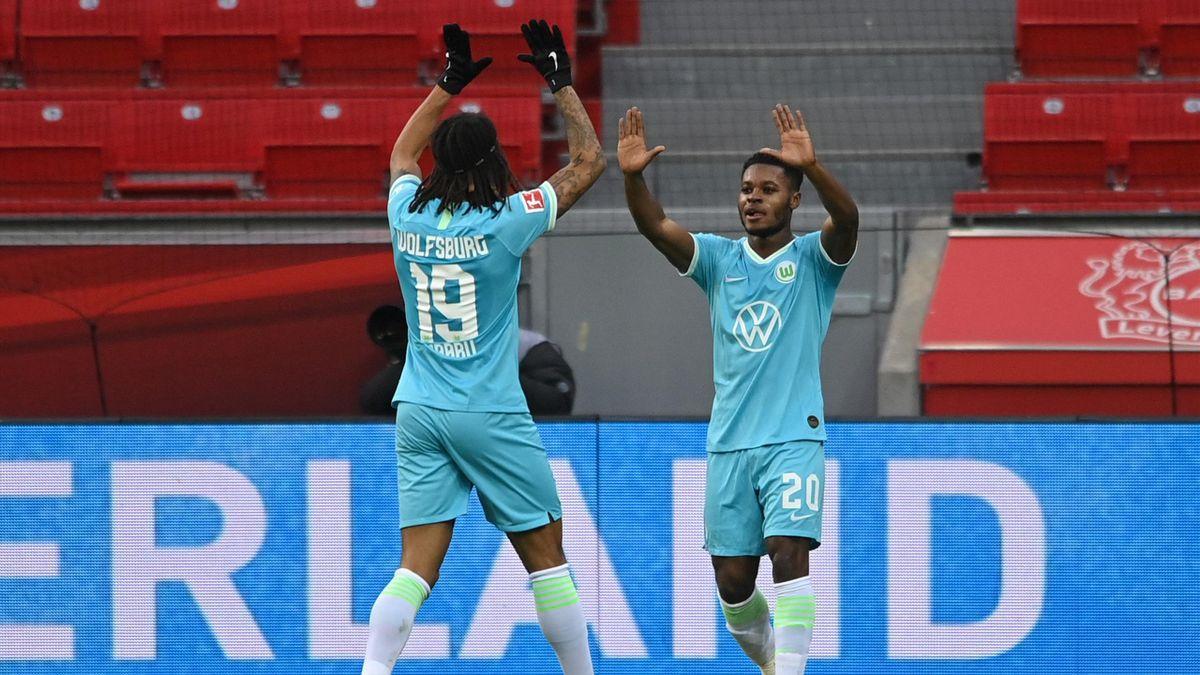 Ridle Baku celebrates Wolfsburg in Leverkusen