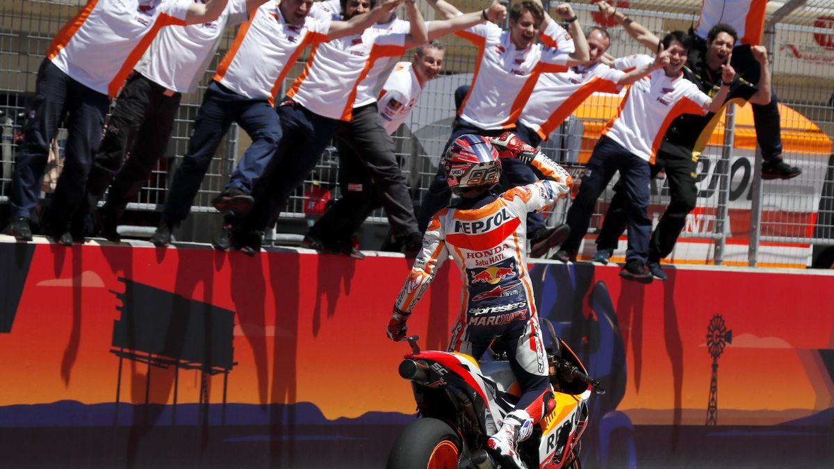 Marc Márquez celebra la victoria en el GP de Austin