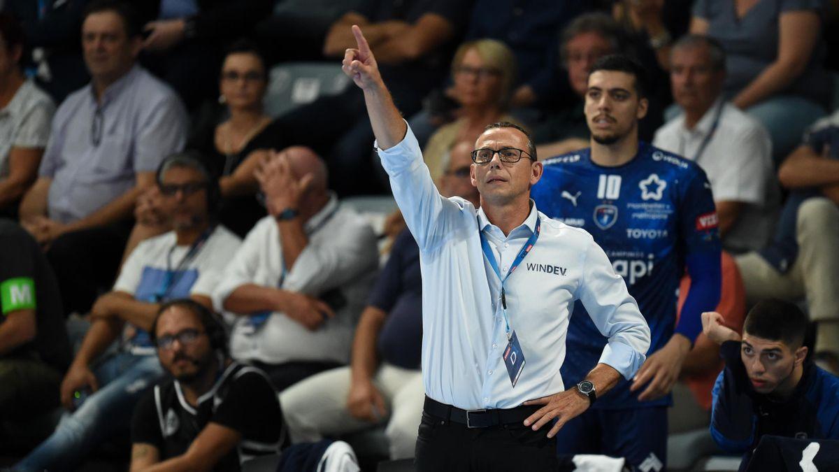 L'entraineur du Montpellier HB, Patrice Canayer, lors de la 1re journée de Ligue des champions de handball