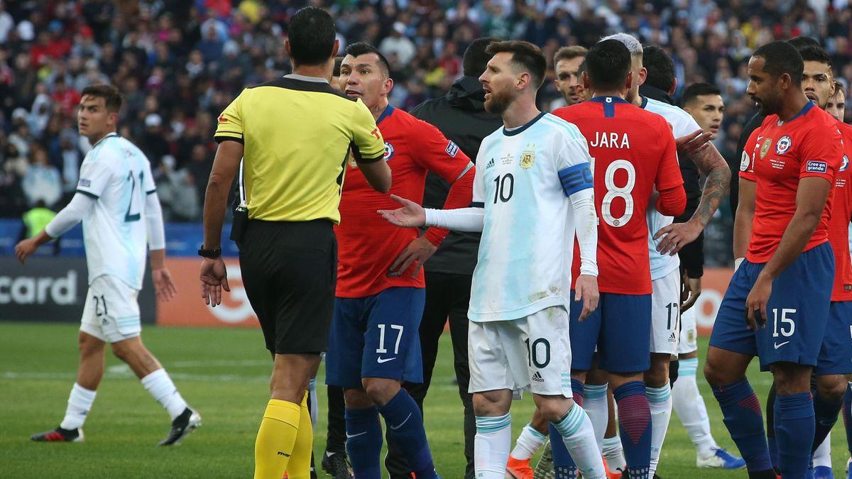 Lionel Messi fliegt gegen Chile mit Rot vom Feld