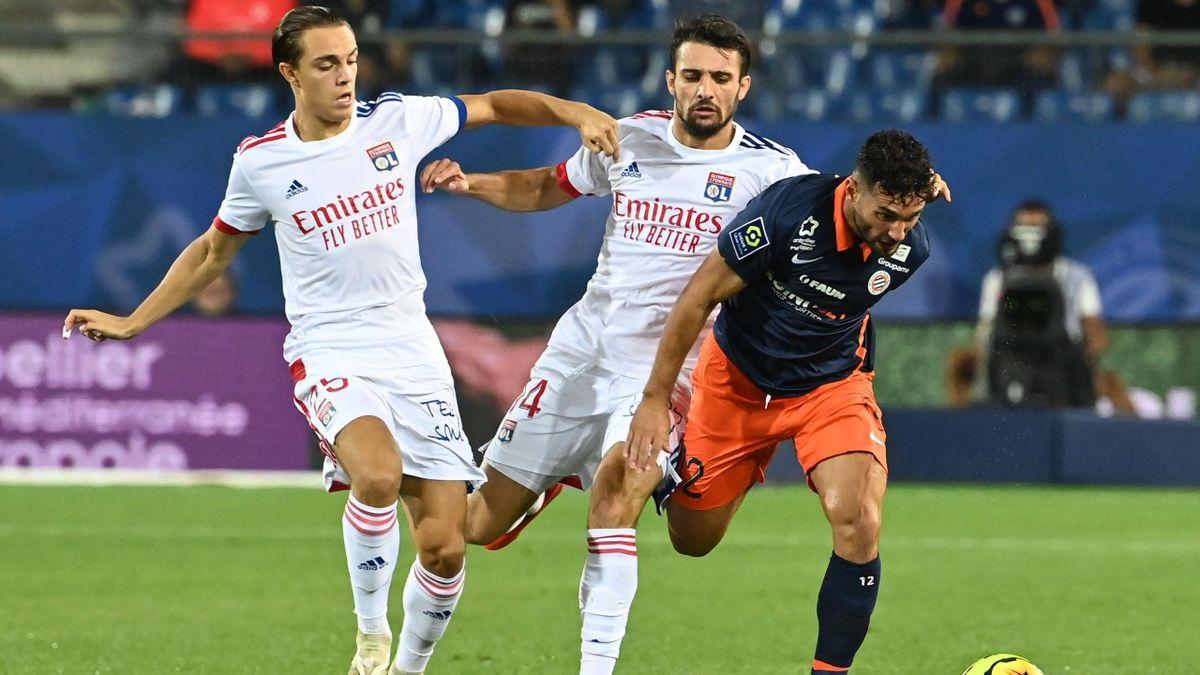 Maxence Caqueret et Léo Dubois (Lyon) contre Montpellier - Ligue 1