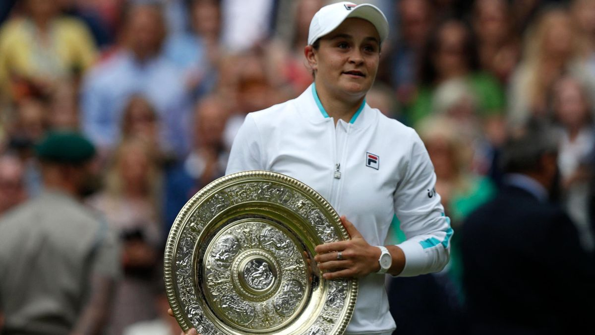 Ashleigh Barty se corona como campeona en Wimbledon 2021
