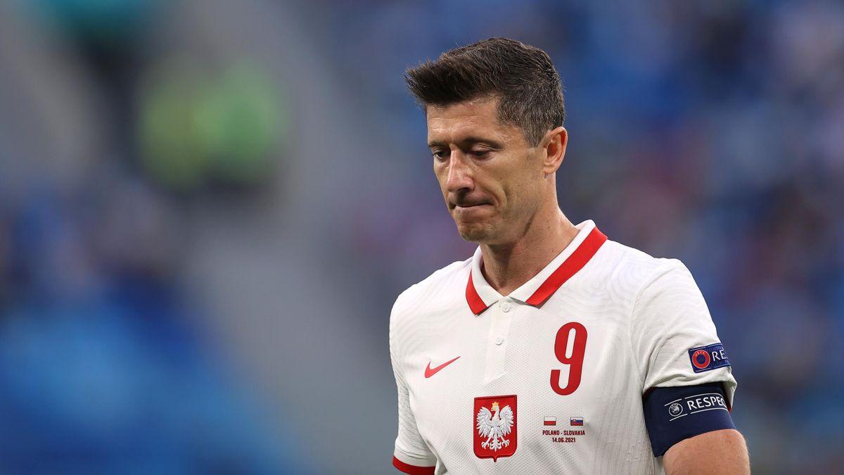 Musste viel Kritik nach dem Slowakei-Spiel einstecken: Polens Superstar Robert Lewandowski