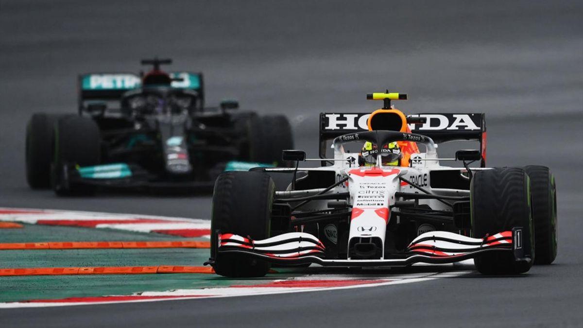 Lewis Hamilton (Mercedes) et Sergio Pérez (Red Bull) au Grand Prix de Turquie 2021