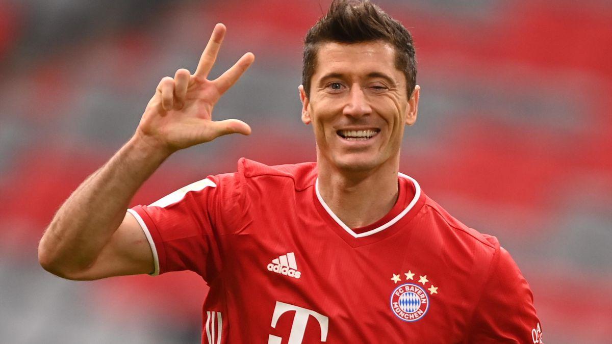 Lewandowski caps stellar year with Eurosport award