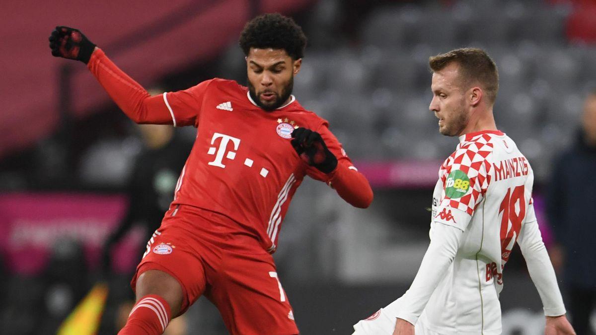 Bayern-Star Serge Gnabry (li.) im Spiel gegen Mainz
