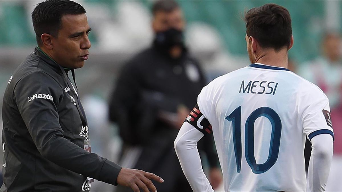 Messi, într-o discuție cu selecționerul Boliviei, Cesar Farias
