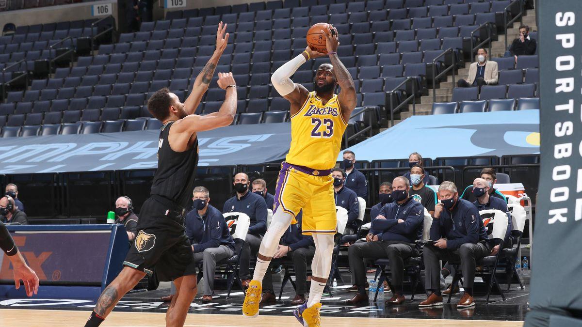 LeBron James (Lakers) contro i Memphis Grizzlies