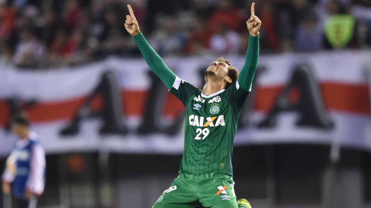 Neto sous le maillot de Chapecoense en 2015.