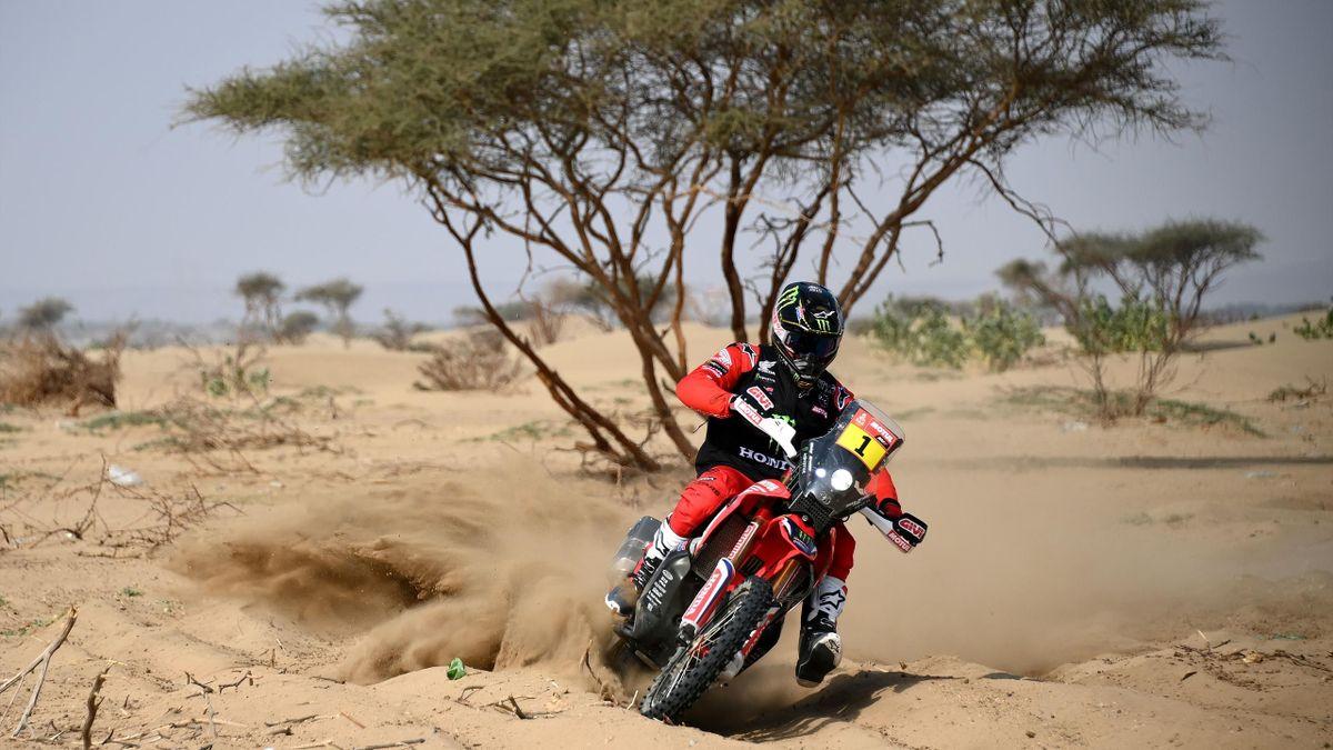 Ricky Brabec au guidon de sa Honda lors du check-up de Jeddah le 31 décembre