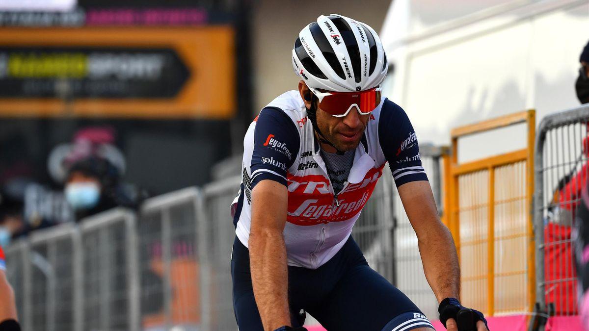 Vincenzo Nibali hat sich bei einem Trainingssturz eine schwere Handgelenksverletzung zugezogen