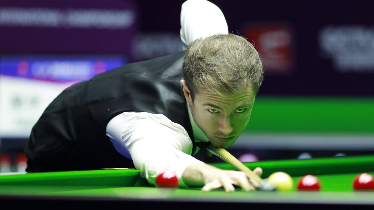 Jack Lisowski of England plays a shot during the semi-final match against Neil Robertson of Australia on day seven of the 2018 World Snooker International Championship at Baihu Media Broadcasting Centre on November 3, 2018 in Daqing, Heilongjiang Province